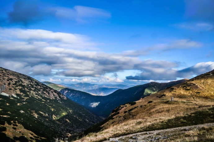 Výhľad z chaty Milana Rastislava Štefánika. Nízke Tatry.