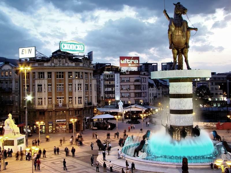 11. Skopje je hlavné mesto: