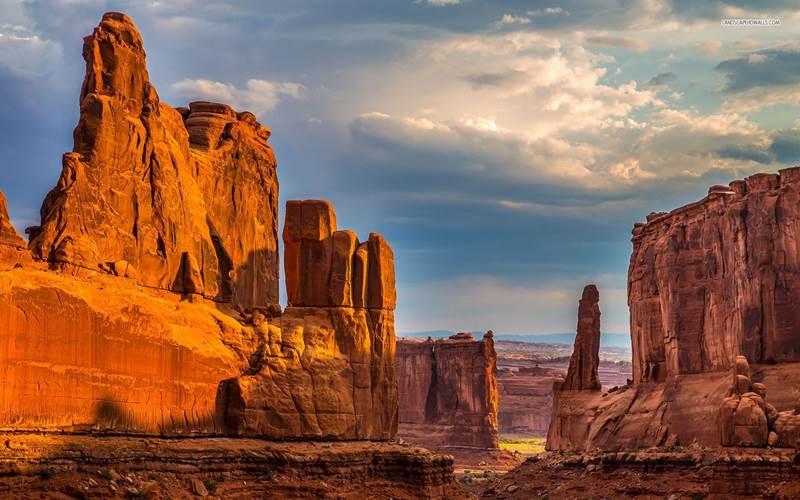 15. Dôvod, prečo do Arizony prúdi ročne milióny turistov, je jasný. Každý chce vidieť Grand Canyon. Popri tom sa často zastavia aj v hlavnom meste. Je to: