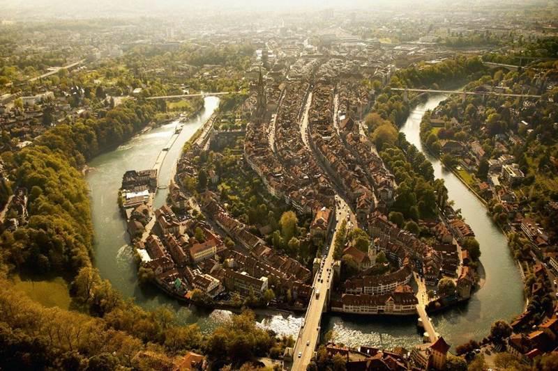 14. Bern je hlavným mestom: