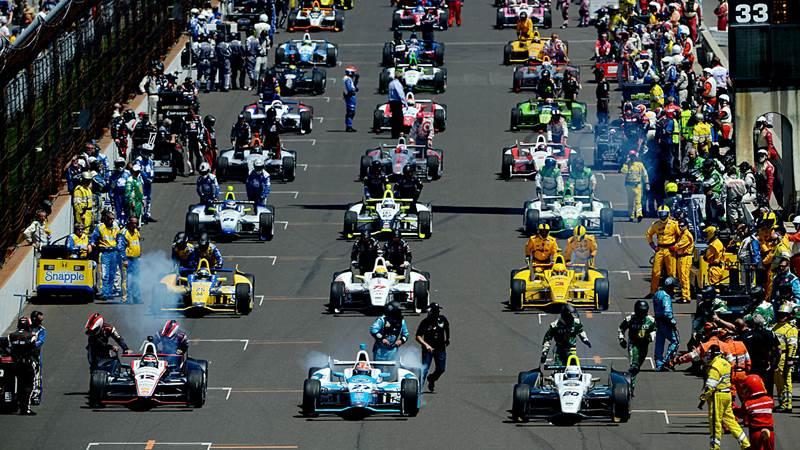10. Štát Indiana je známy svojou krásnou prírodou, no aj celosvetovo známym automobilovým závodom Indy 500. Hlavným mestom Indiany je: