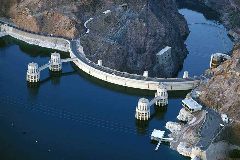 2. V Nevade sa nachádza asi najznámejšie vodné dielo na svete - Hooverova priehrada. Aké je hlavné mesto tohto štátu?