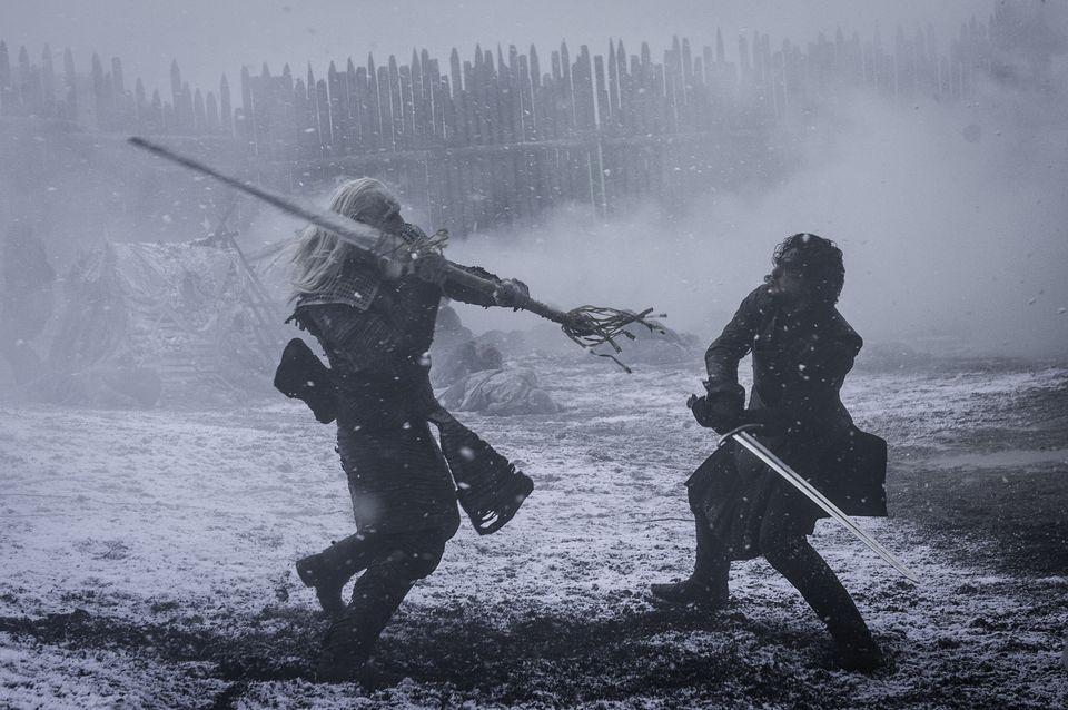 Z čoho je vyrobený meč (Longclaw), s ktorým Jon Snow dokázal zabiť White Walkera?