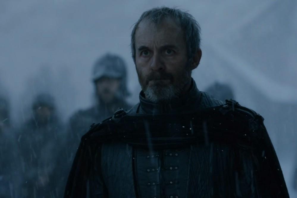 Koho obetoval Stannis Baratheon a nechal ho upáliť, aby vyhral bitku o Winterfell / Zimohrad?
