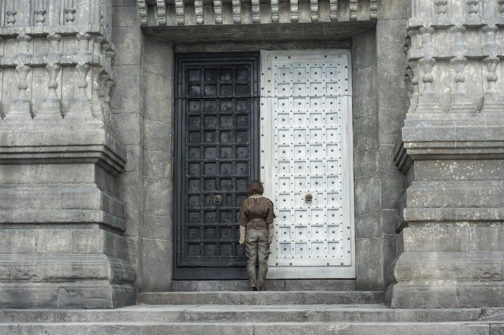 Ako sa volá dom, do ktorého prišla Arya hľadať Jaqen H'ghar?