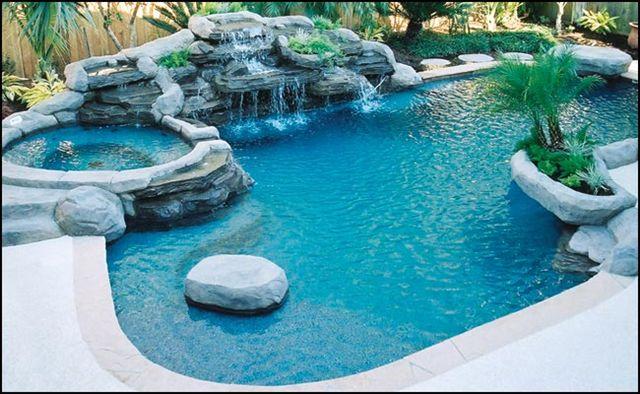 Bazén sa doplna naplní za 30 dní. Jeho napúšťanie prebieha tak, že sa množstvo vody vždy za jeden deň zdvojnásobí. Kedy bude bazén naplnení do polovice?