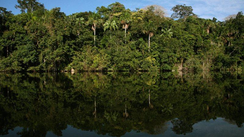 Ktorá rieka preteká cez Bolíviu?
