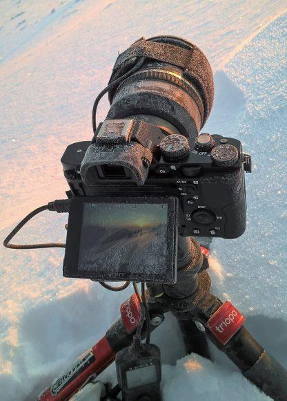 Omrznutý fotoaparát po celonočnom fotení na Osninci (Malá Fatra)