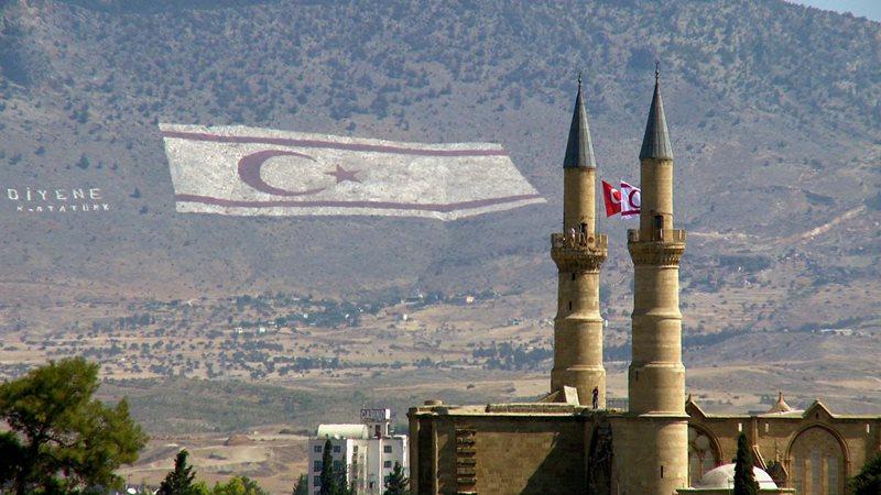 Ktorá krajina je rozdelená medzi Grécko a Turecko?