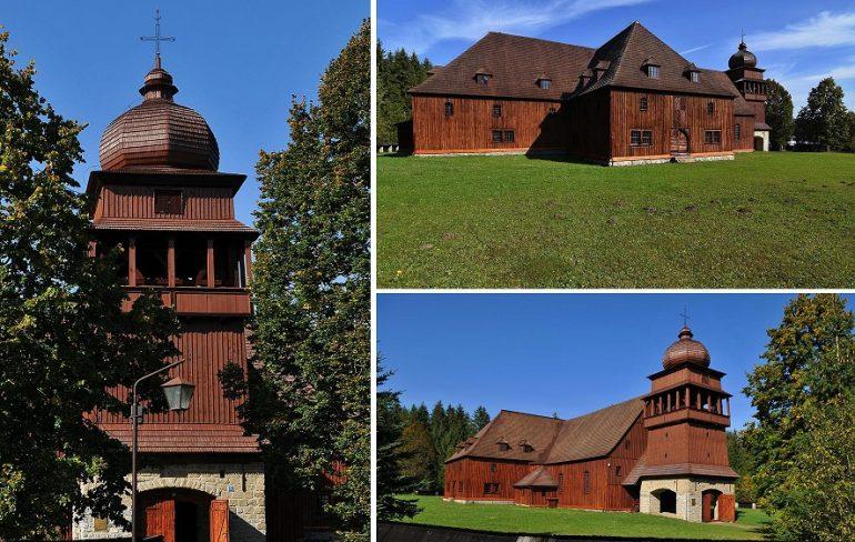 Na snímke je najväèšia drevená stavba v strednej Európe -  Národná kultúrna pamiatka - drevený artikulárny evanjelický kostol, ktorý bol postavený v roku 1693 v dnes už neexistujúcej obci Paludza. Obec bola zatopená priehradou Liptovská Mara. Kostol bol prenesený do obce Svätý Kríž, ktorá sa nachádza v okrese Liptovský Mikuláš. FOTO TASR - Oliver Ondráš, Svätý Kríž, 11. október 2016