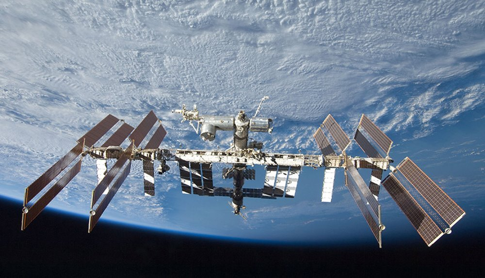 http://www.universetoday.com/118175/ammonia-leak-on-the-iss-forces-evacuation-of-us-side-crew-safe/