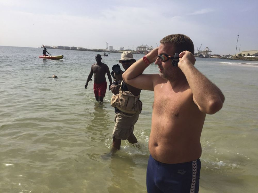 http://www.timesunion.com/news/world/article/British-man-aims-to-swim-Atlantic-From-Senegal-10611466.php#photo-11801630