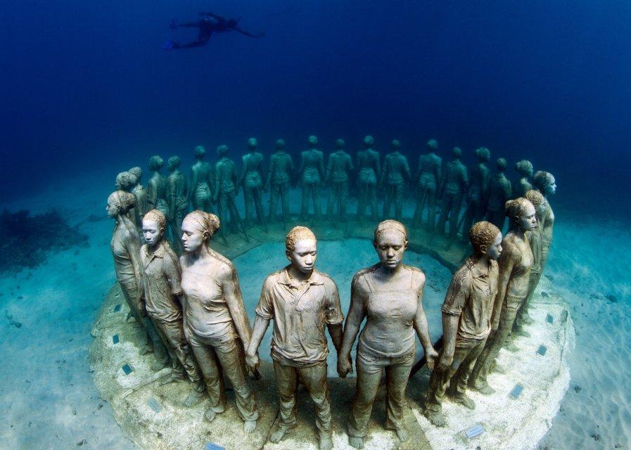 www.underwatersculpture.com
