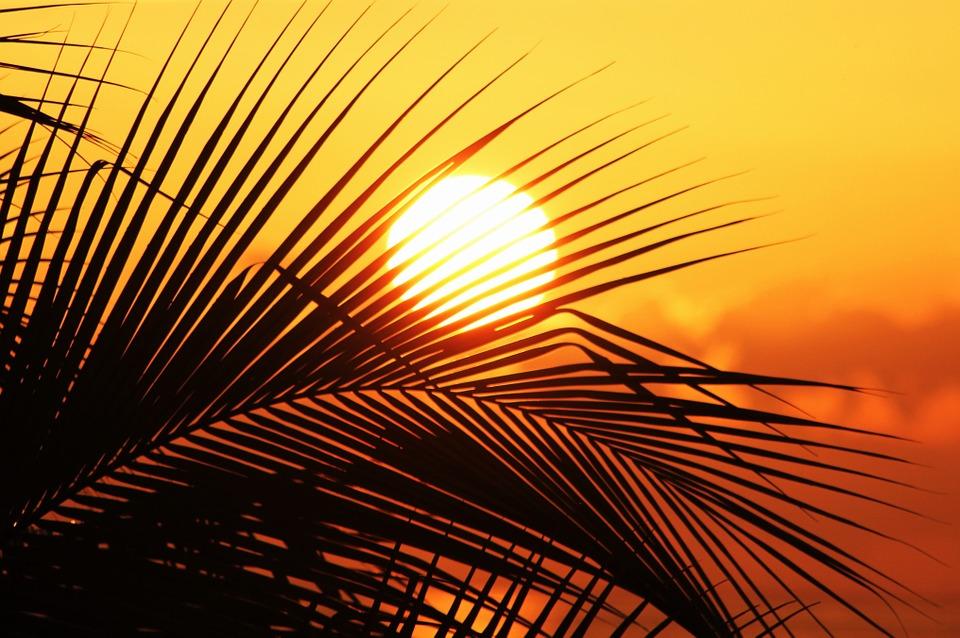 Ako dlho trvá kým svetlo zo Slnka priletí až na Zem?