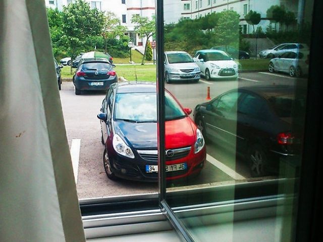 Akej farby je auto?