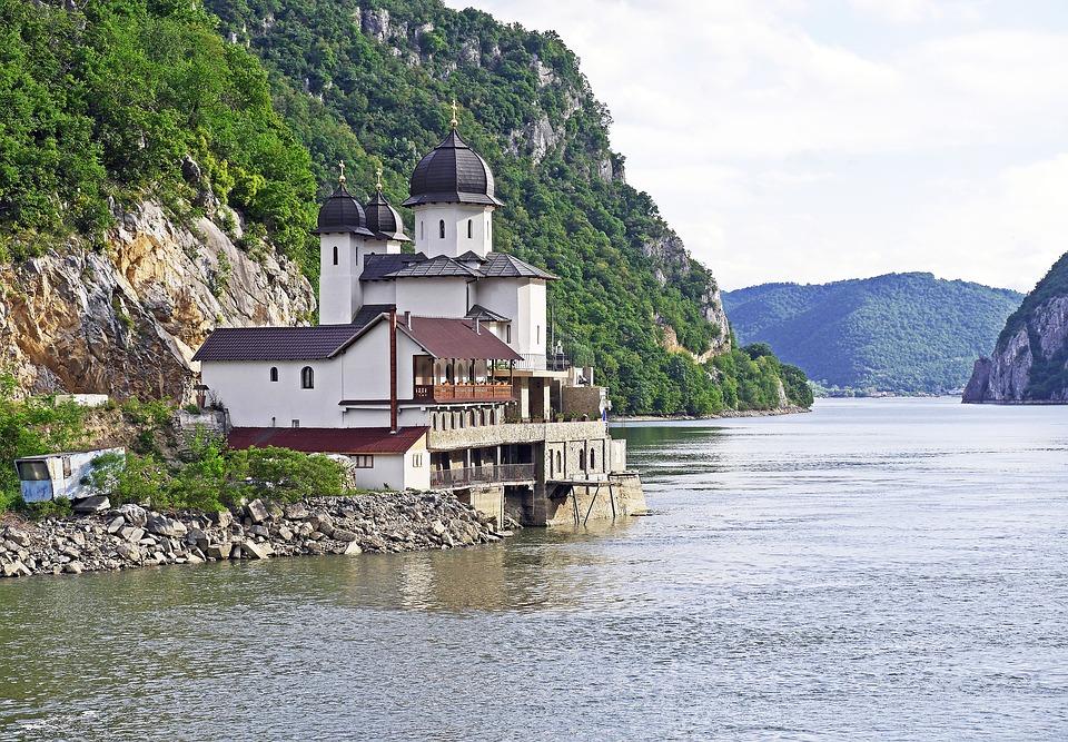 Úradnou meno v Srbsku je: