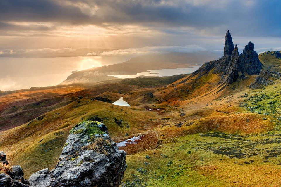 Aká mena sa používa v Škótsku?