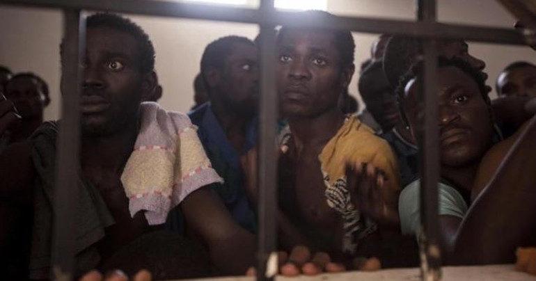 Na novodobej dražbe otrokov v Líbyi si môžete kúpiť ľudský život za takúto  smiešnu sumu 9bb39c16545
