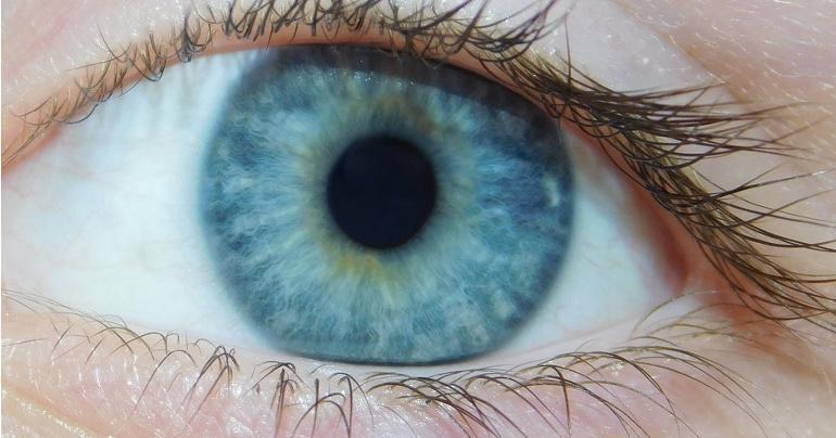cf38409a1 Fotogaléria - Modrá farba očí neexistuje. Ak si myslíte, že vaše oči sú  modré, v skutočnosti je za tým tento zvláštny jav | interez.sk