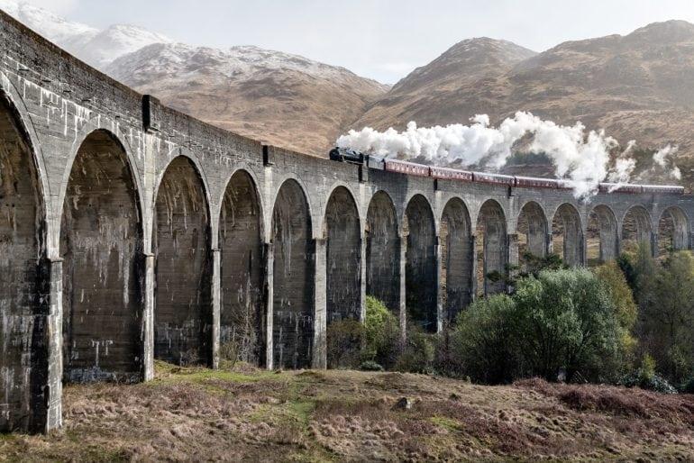 eaf357074 Zažite cestu vlakom Harryho Pottera na vlastnej koži. Toto je spôsob, akým  sa na ňu môžete bez problémov dostať