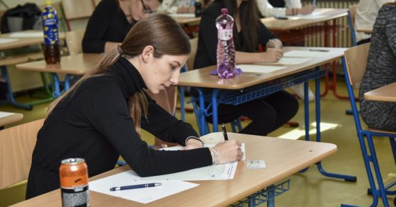 Písomná maturita z cudzích jazykov na slovenských stredných školách