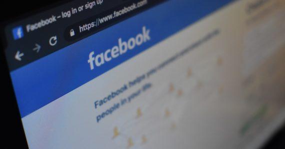 Facebook zažíva ďalší hromadný výpadok