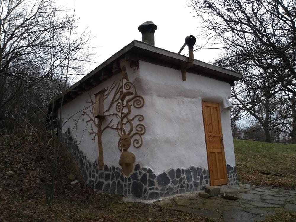 Domčeky vytvorené pre pobyty v tme