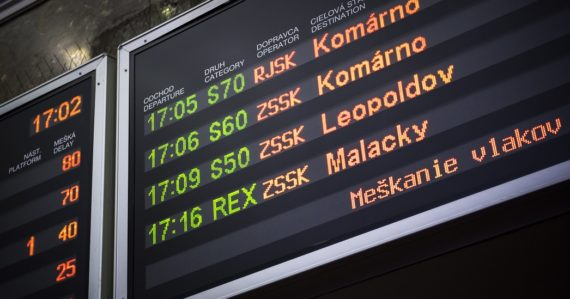 tabuľa meškanie vlaky bratislavská hlavná stanica