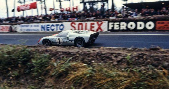 Keď Ford porazil Ferrari: Najťažšie preteky Le Mans v roku 1966 zmenili svet motorizmu