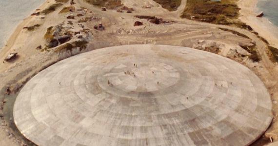 Jadrová hrobka z nukleárnych testov praská. Úroveň radiácie na Marshallových ostrovoch je ako vo Fukušime