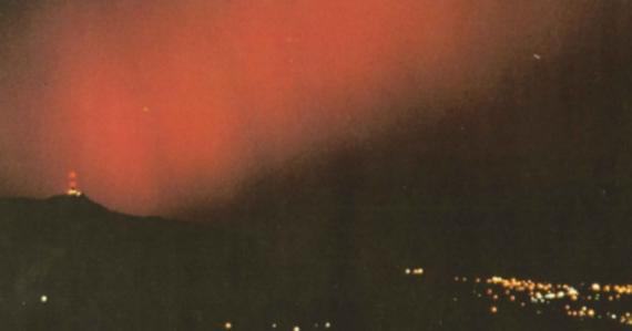 Zatmenie Mesiaca a polárna žiara nad Československom. Nežnú revolúciu sprevádzali tieto nebeské javy