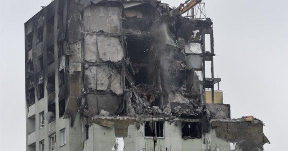 Demolácia bytovky v Prešove