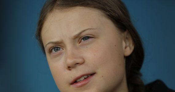Greta Thunbergová natáčala v Poľsku film o najväčšej uholnej elektrárni v Európe. Zakázali jej vstúpiť dnu