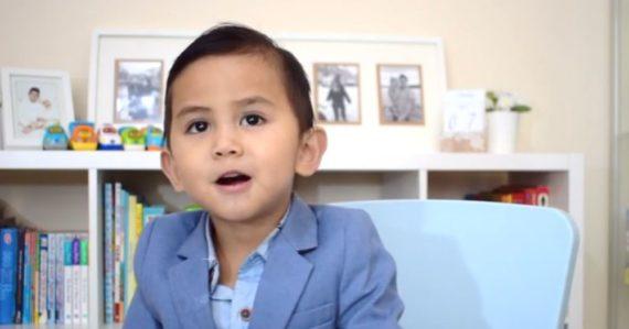 Keď mal 2 roky, čítal. Len 3-ročného chlapca zaradili medzi najinteligentnejších ľudí našej planéty