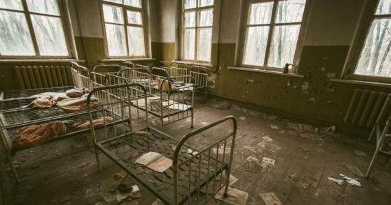Ceaușescuove deti: Zneužívané, priväzované, takmer na pokraji smrti. Takto žili v rumunských detských domovoch
