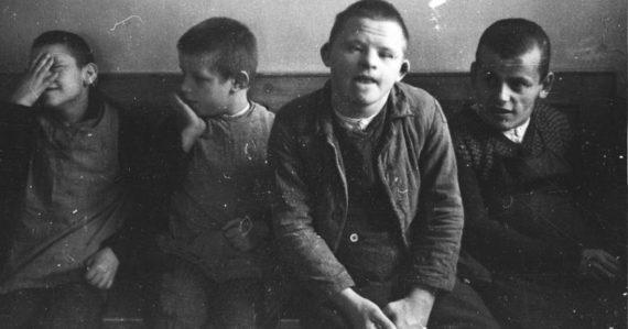 """Mentálne postihnutí, """"nežiaduci"""" aj deti. Škandinávia sterilizovala desaťtisíce ľudí scieľom očistiť ľudskú rasu"""