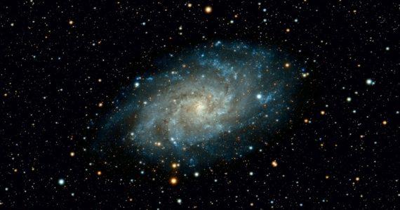 Vesmír sa zrejme nerozpína všetkými smermi rovnomerne. Základná myšlienka kozmológie môže byť vyvrátená