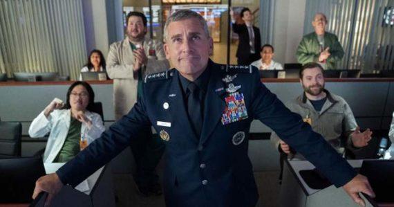 Netflix predstaví nový seriál Space Force: Hlavné úlohy v ňom stvárnia hviezdy zo sitkomov Priatelia a The Office