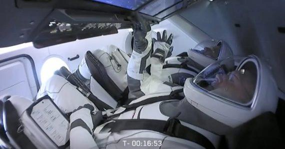 Prečo sa musí letieť v presný čas a koľko misia stojí? Otázky a odpovede ohľadom letu SpaceX