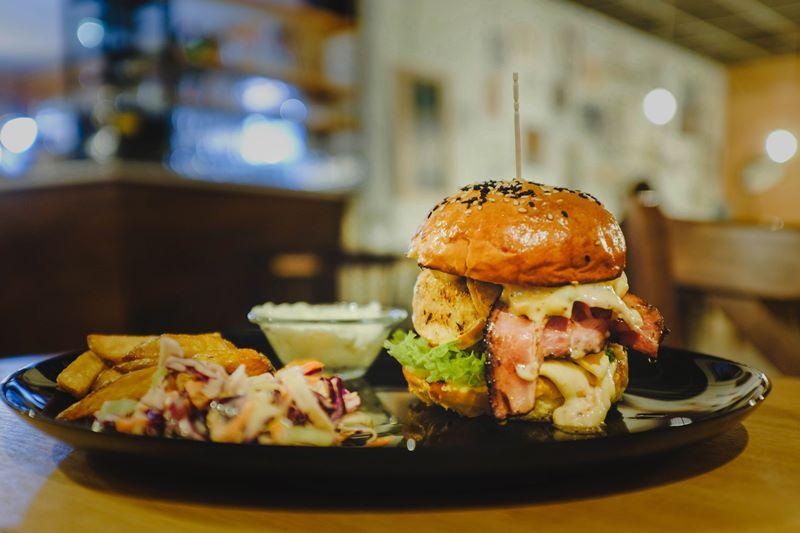hamburger bistro marina