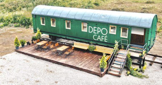 V srdci Telgártu vznikla kaviareň v historickom vagóne. Ponúka výhľad na Chmarošský viadukt a lokálnu praženú kávu