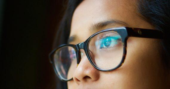 Ochráni vás nosenie okuliarov pred koronavírusom? Vedci poznajú odpoveď
