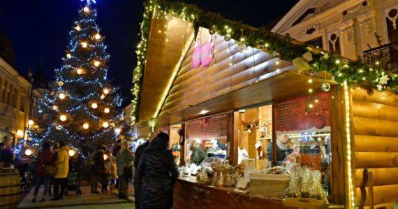 V Prešove áno, v Bratislave nie: Zisťovali sme, či sa v týchto 15 slovenských mestách budú konať vianočné trhy