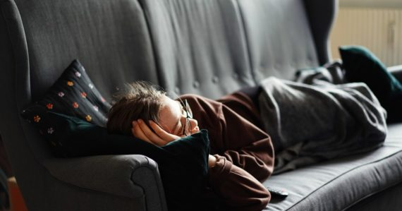 S pokojným svedomím si vždy poobede zdriemnite. Vedci zistili, aké benefity to človeku prináša
