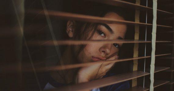 Až 1 z 5 dospelých ľudí trápia psychické problémy, zistila nová štúdia. Hovoriť o nich bude aj Zuzana Čaputová