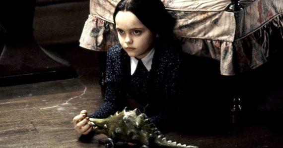 Dobré správy pre fanúšikov Rodiny Addamsovcov. Tim Burton bude režírovať novú Netflix sériu